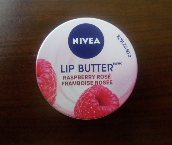 """Apžvalga: """"Nivea"""" lūpų sviestas """"Raspberry Rose"""""""