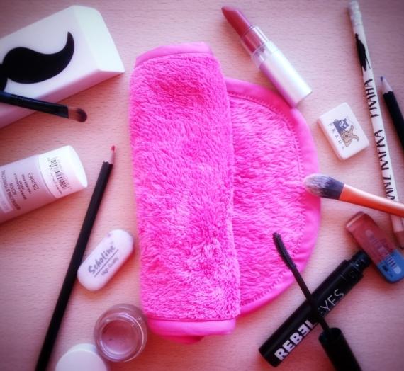 """Apžvalga: """"Makeup Eraser"""" – trintukas makiažui trinti. Išbandžiau ar veikia!"""