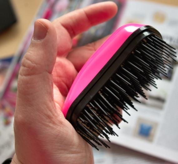 """Apžvalga: """"Dessata Mini"""" nepešantis plaukų šepetys"""