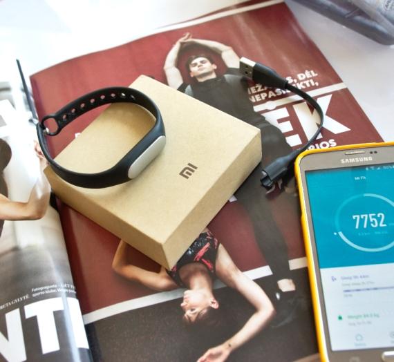 """Kiek žingsnių nuėjai šiandien arba gyvenimas su """"Xiaomi Mi Band"""" aktyvumo apyranke"""
