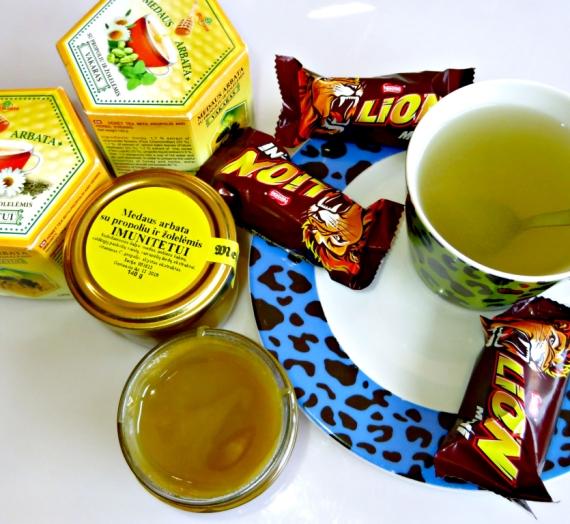 """Atradimas: medaus arbatos su žolelėmis ir propoliu """"Vakaras"""" bei """"Imunitetui"""""""