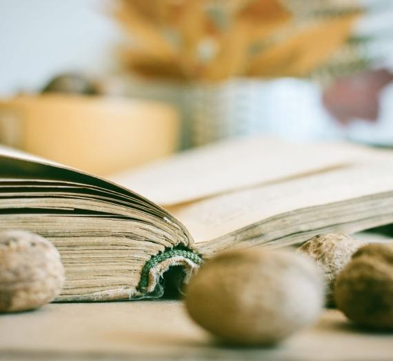 57 knygos, kurias rekomenduoju arba karantinui turėtų pakakti!