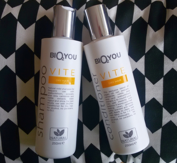 """Apžvalga: """"Bio2you"""" natūralus šampūnas ir kondicionierius sausiems plaukams"""