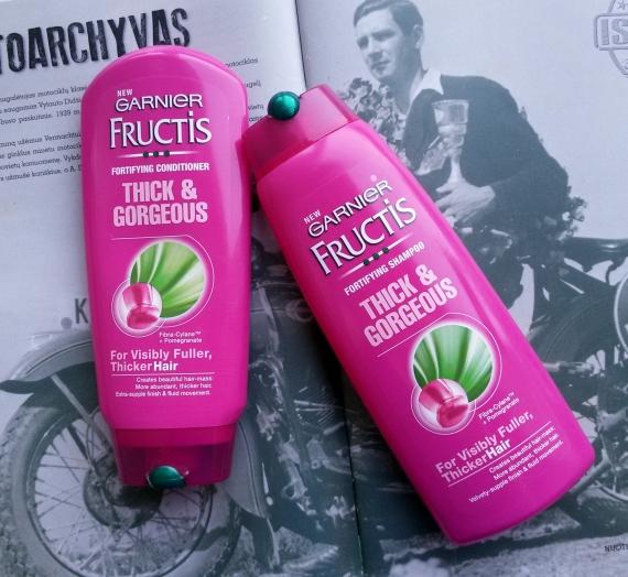 """Apžvalga: """"Garnier Fructis"""" šampūnas bei kondicionierius """"Thick and gorgeous"""""""