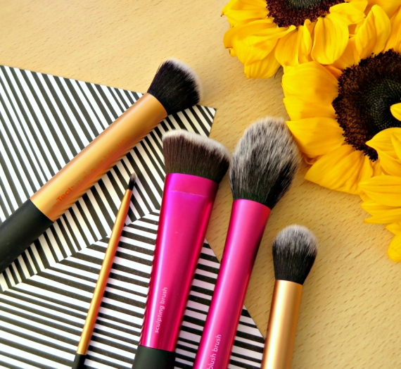 "Mano mėgstamiausi ""Real Techniques"" šepetėliai: Blush Brush, Core Collection ir Sculpting Brush"