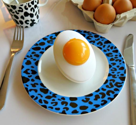 """Kiaušinių pusryčiams? """"Holika Holika"""" veido šveitiklio """"Smooth Egg Skin Peeling Gel"""" apžvalga"""