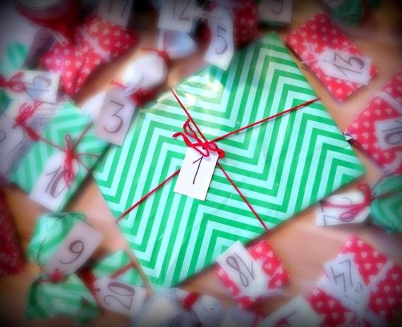 Blogmas diena Nr.1: įvadas, kalėdiška istorija ir pirmas advento kalendoriaus langelis