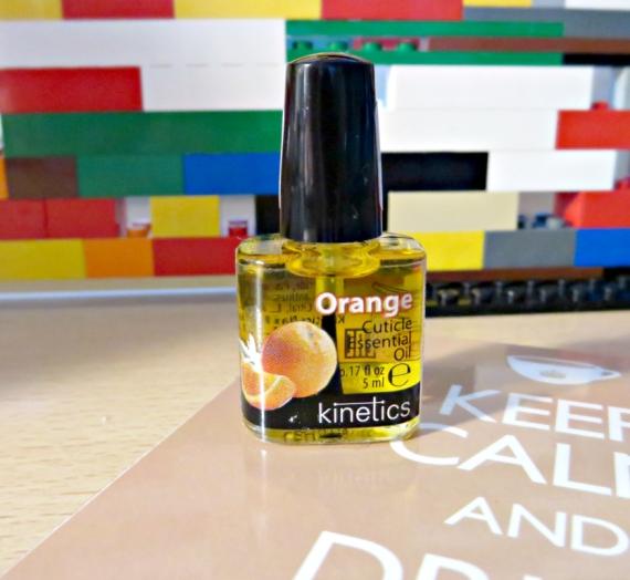 """Apžvalga: """"Kinetics"""" aliejus nagų odelėms su apelsinų aliejumi"""