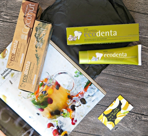 """Apžvalga: išskirtinės """"Ecodenta"""" dantų pastos: su druska, su kokosais ir su melionais"""